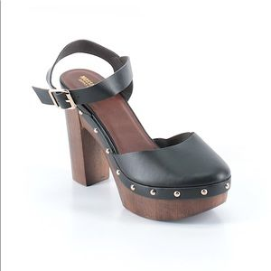 Mossimo wooden heel clogs size 8